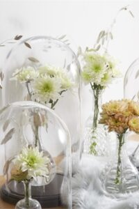 Linflowers Baltica White arrangement